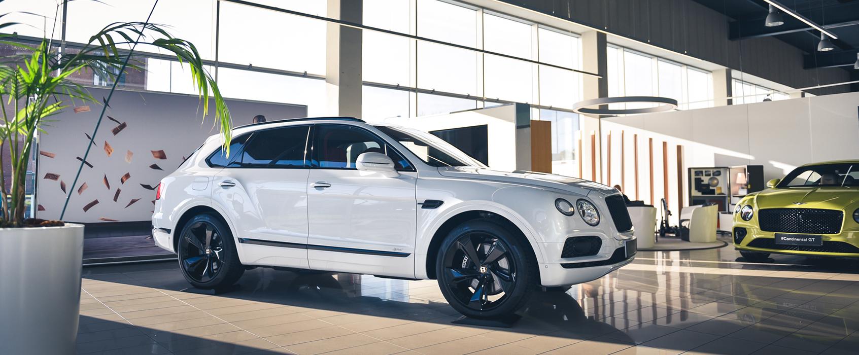 Bentayga Hybrid Bentley namuose Vilniuje
